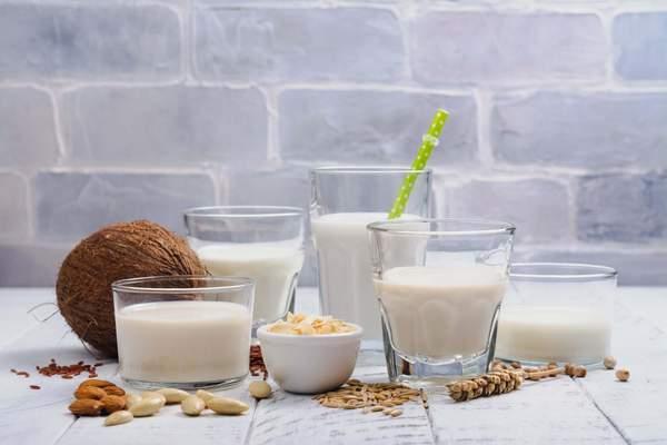 Vegane pflanzliche Drinks - Alternativen bei Laktoseintoleranz